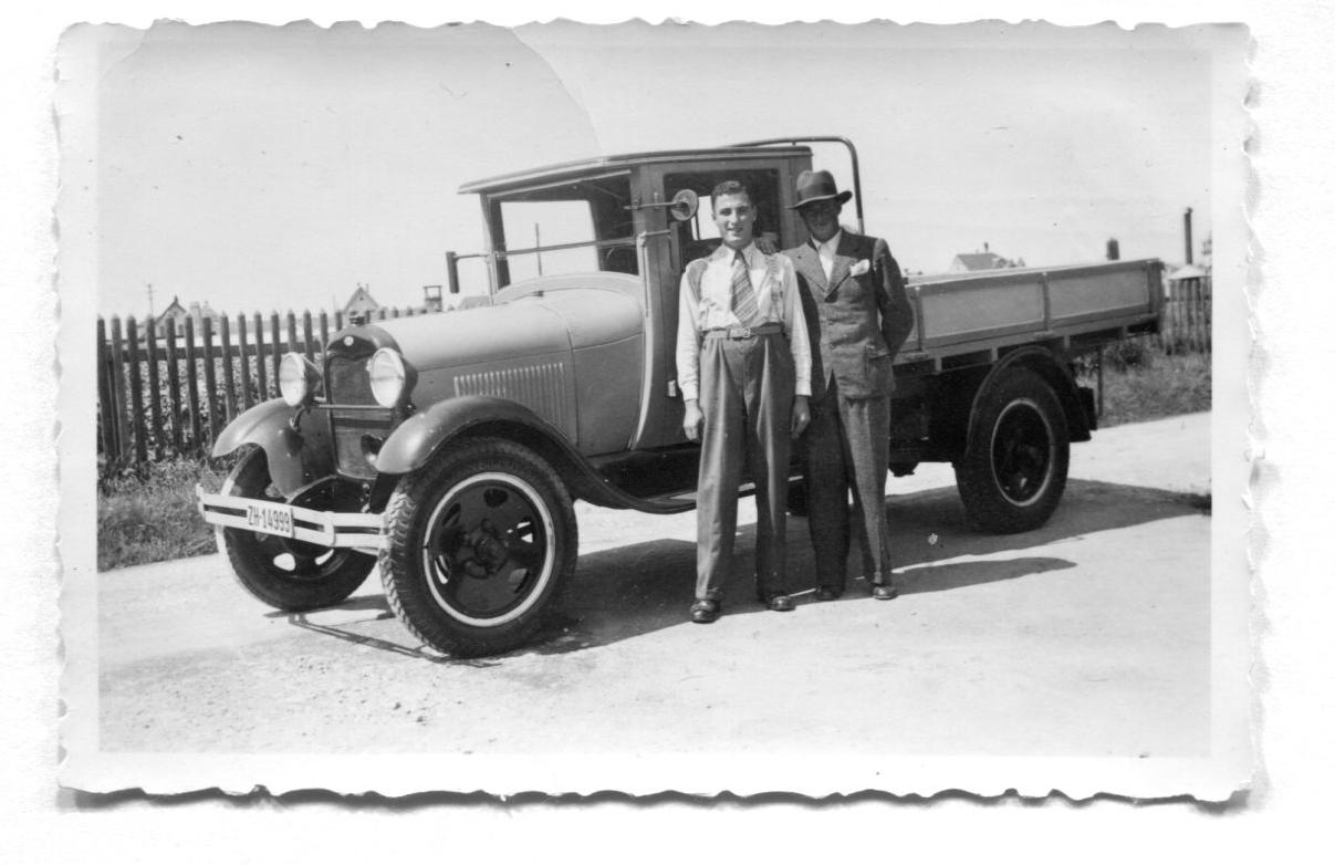 Beerstecher AG Stolz auf den Kauf des 1. Lieferwagens